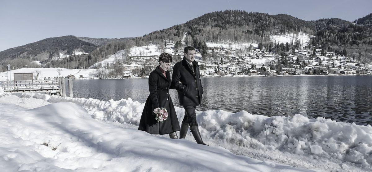 Winterliche Hochzeit in Rottach Egern mit Paarshooting